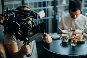 ביצוע הפקת סרטוני מוצר וצילום