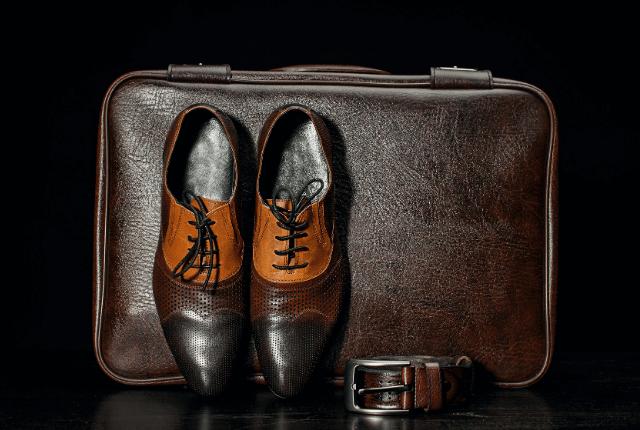 נעליים חגורה תיק
