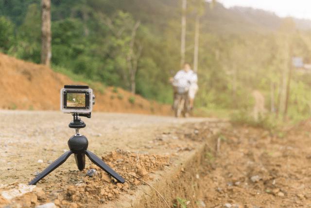 הפקת סרטון ליוטיוב וצילום איש על אופנוע