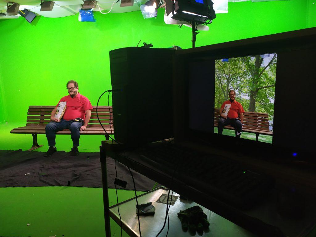 הפקת סרטונים לחברות, GREEN SCREEN